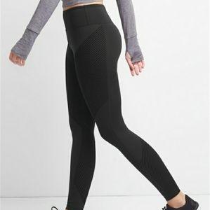 Women's Black Fit Textured Stripe Leggings NWT xs